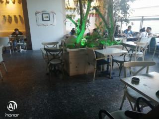 Leventte AVM Icinde Devren Sorunsuz Satılık Restorant