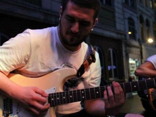 14 Yıllık Eğitmenden Gitar Dersleri