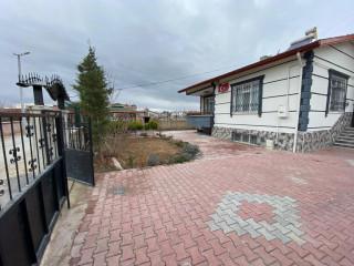 Harmancıkta 600 m2 arsa içinde 4+1 200 m2 ev satılıktır