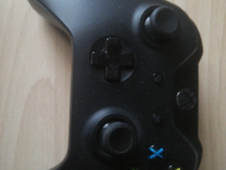 Xbox One 500 gb ve 1 Joystick