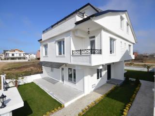 Krediye uygun 3 banyo sıfır tamamen bitmiş 170 m2 ikiz TRİPLEX villa