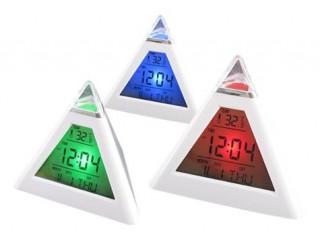 Renk Değiştiren Piramit Şeklinde Alarmlı Masa Saati (7 Renk)