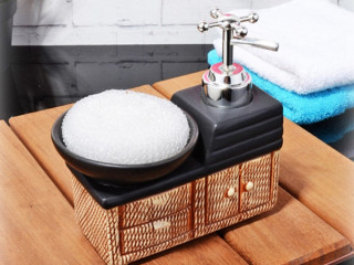 Banyo Dolabı Şeklinde Sıvı Sabunluk