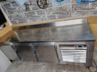 sanayi tipi tezgah buzdolabı krom dan özel yapılmış