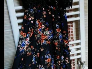 Siyah çiçekli elbise M beden henüz yeni gibir ayarlanabilir askılıdır.M.S beden