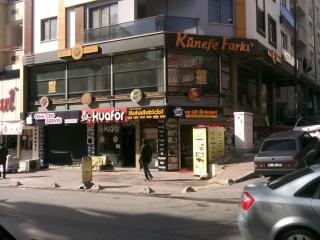 Mahmutbey caddesinde Kiralık 160 metre iskanlı dükkan